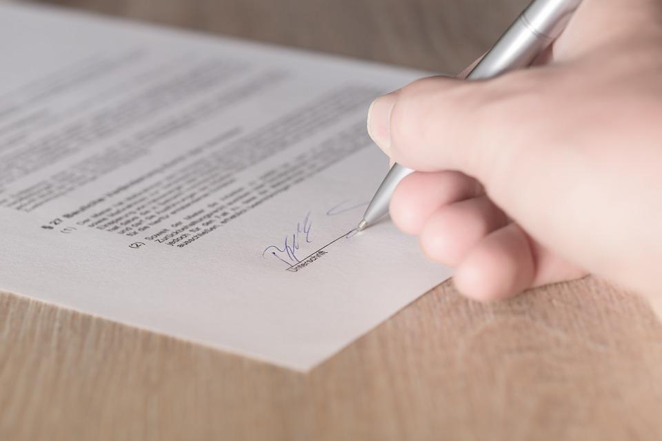 Signature d'un contrat de location